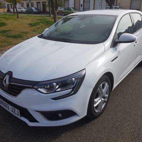 Renault-Megane-2017-1